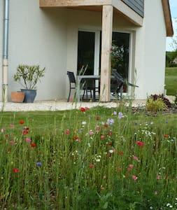 Maison récente, près des champs - Tarcenay - Dům