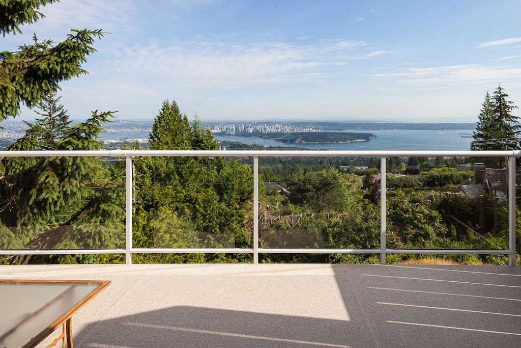 Large deck with breathtaking views!