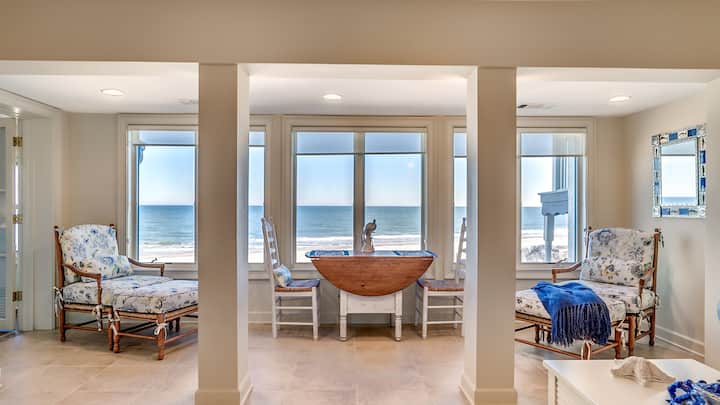 Great oceanfront views and close to the Beach Club