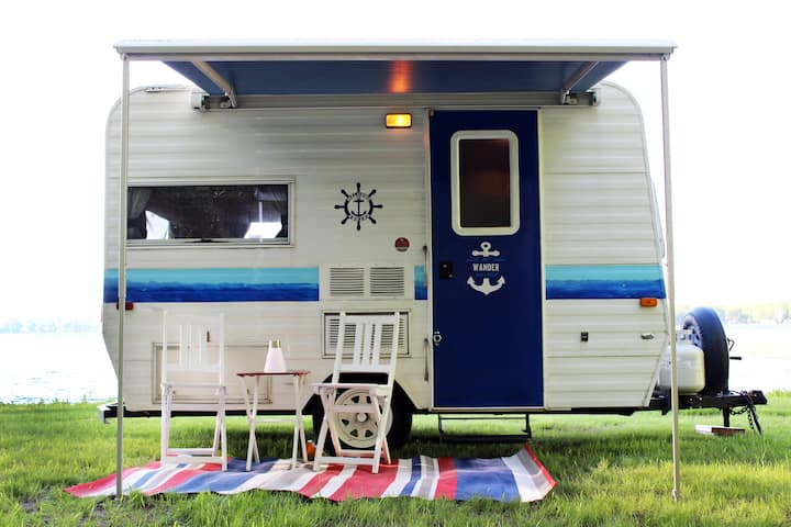 Nautical Cozy camper trailer on Lake Simcoe
