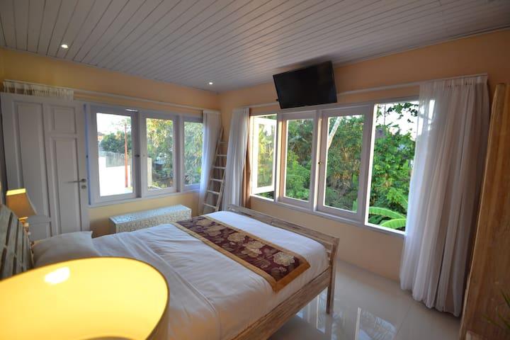 Room @ Canggu Berawa, 5 mins drive to beach (1)