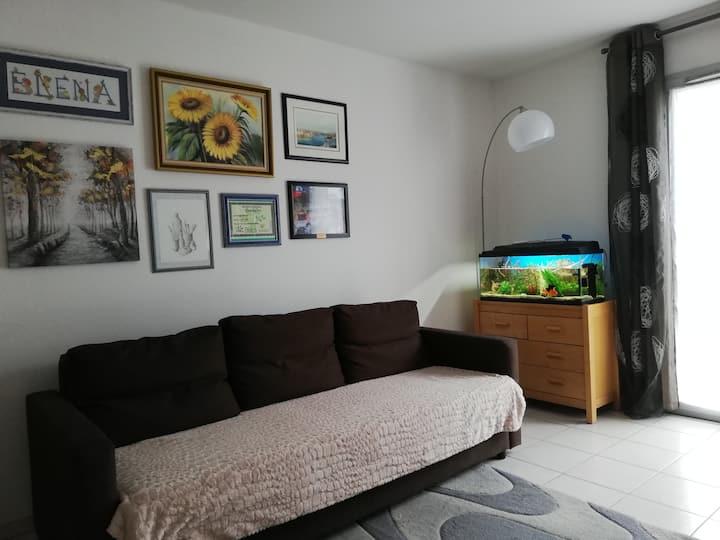 Agréable appartement avec balcon dans résidence.