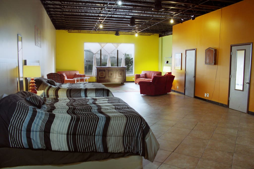 Huge vibrant loft apartment great for large parties and only blocks from Broadway (main bar district), and all large downtown amenities