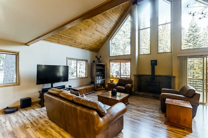 New listing! Updated, dog-friendly cabin w/ a full kitchen & furnished deck