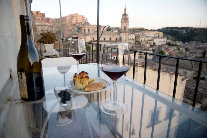 Romantic refuge with stunning view - Modica - Maison