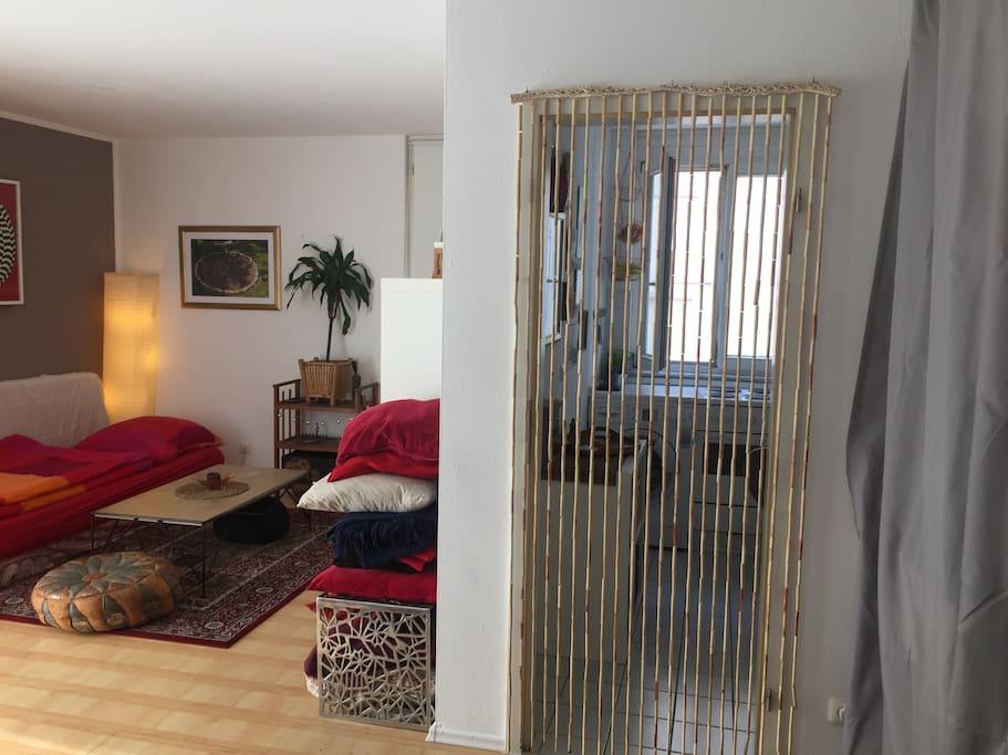Wohnzimmer & Küche // Livingroom & kitchen