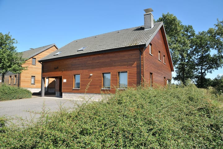 Stunning, wooden villa located in Durbuy