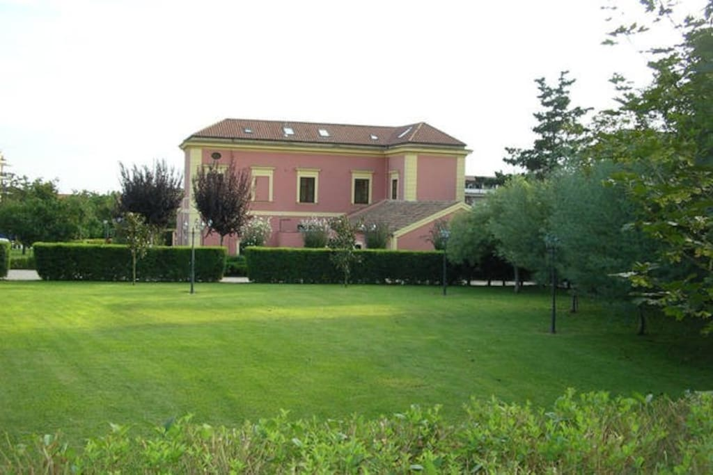 villa vanvitelliana camera superior chambres d 39 h tes louer caserta campanie italie. Black Bedroom Furniture Sets. Home Design Ideas