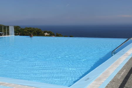 180° STUNNING SEE VIEW WITH POOL - Cap-d'Ail - Huoneisto