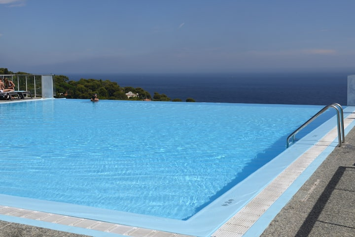 180° STUNNING SEE VIEW WITH POOL