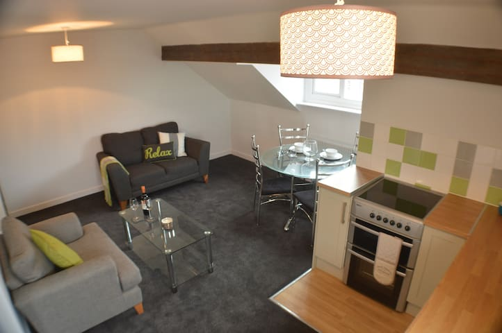 Cosy Loft Apartment - Salford - Appartement