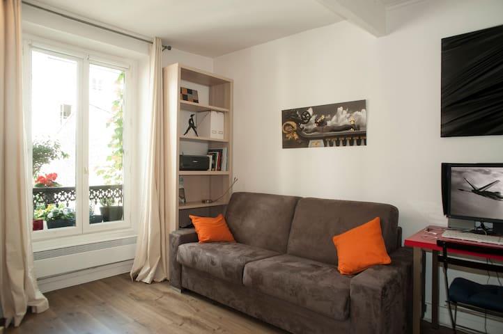 Charmant studio au cœur de  la butte Montmartre