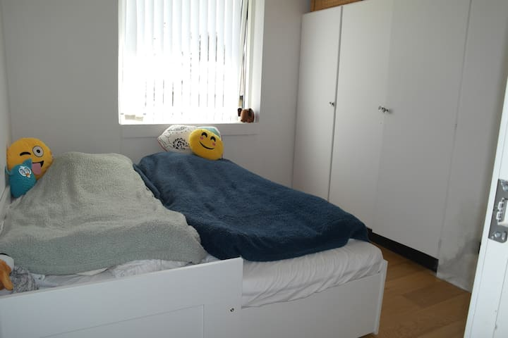 Guest room - two beds