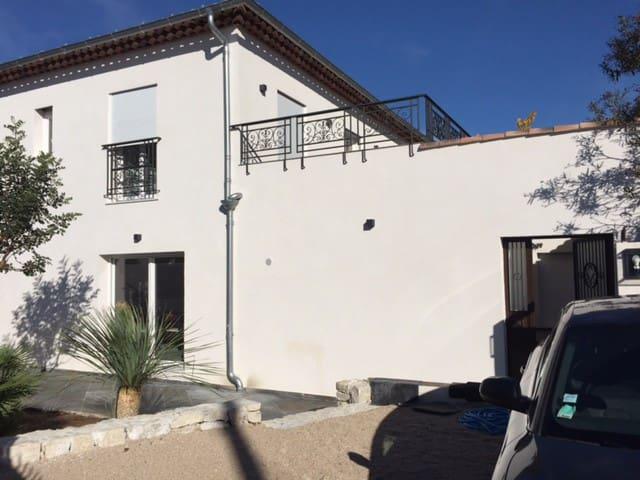 grande maison neuve, près de la plage, très calme - Villeneuve-Loubet - บ้าน