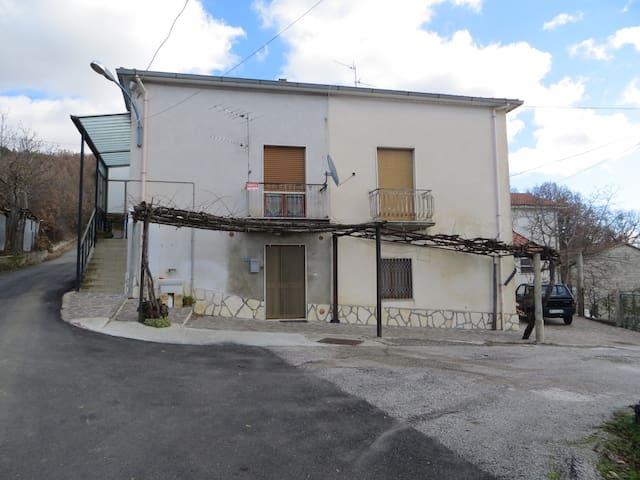 Casa Vacanze Parco Val d'Agri (PZ) - Valle Casale - House