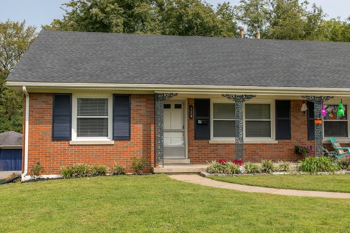 Greenbriar Rd. Southside Updated 2 Bedroom Duplex