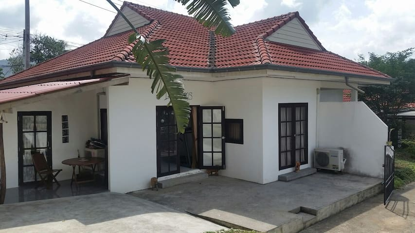 Fully furnished house in quiet area