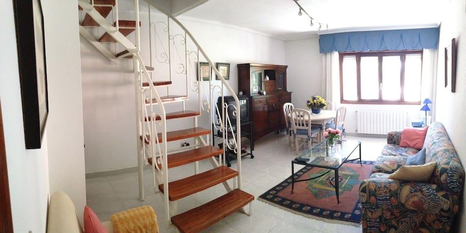 Adosado duplex en Laredo - Laredo - House