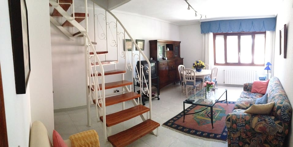 Adosado duplex en Laredo - Ларедо - Дом