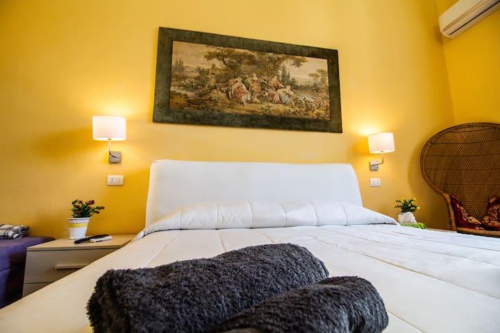 Camera da letto matrimoniale piano inferiore