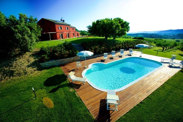 Villa piscina , putting green e aria condizionata