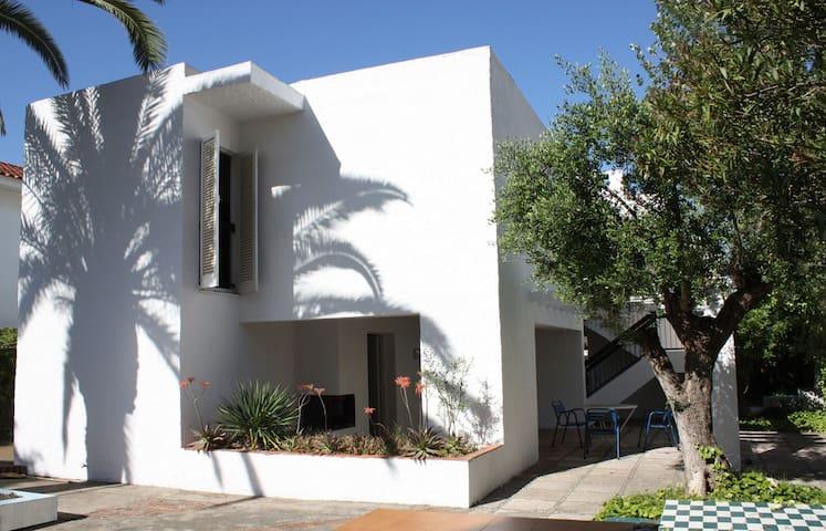 Casa a 50 m de la playa - Cubelles - Huis