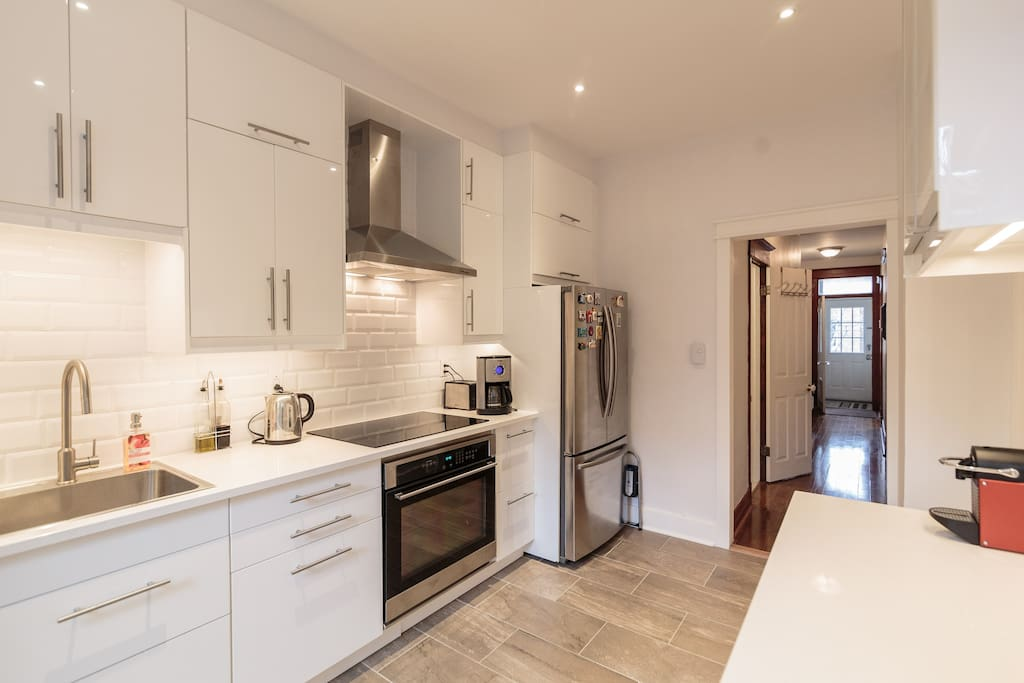 Fully equiped modern kitchen.