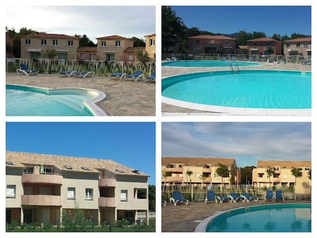 Super apt T2 climatisé avec piscine/mer prix promo - Santa-Maria-Poggio - Leilighet