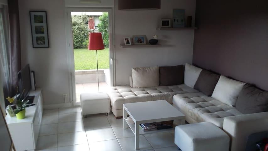 Grand appartement avec jardin et terrasse au calme - Pringy - Pis