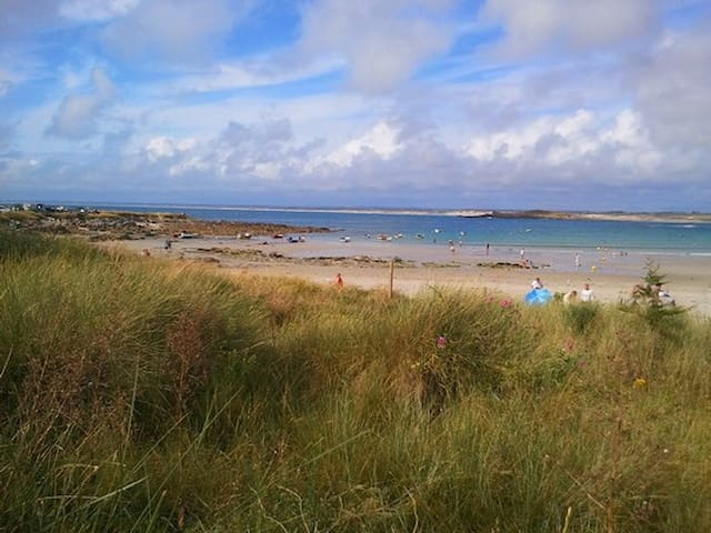 sandbeach in Pors Carn 5 minutes by car
