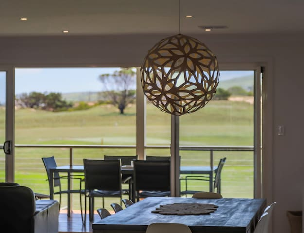 'Links Views' holiday house in Normanville - Normanville