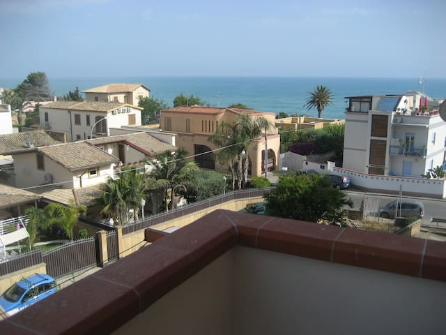 Comodo appartamento a S. Leone (Ag) - San Leone - Apartemen