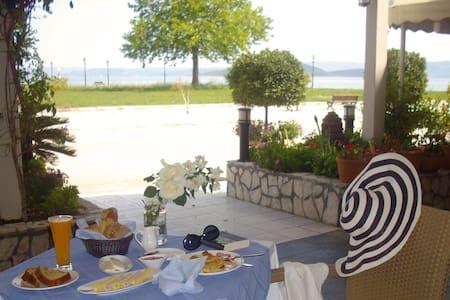 Double Guestroom @ Livanates - Livanates - 住宿加早餐