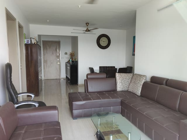 1 room in a 3BHK fully furnished flat near airport