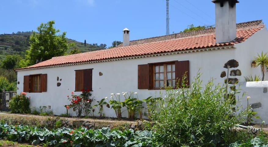 Bonita casa rural en Erjos. - Santa Cruz de Tenerife
