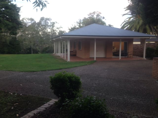 Riverside Cottage - Karana Downs - Huis