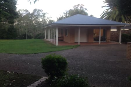 Riverside Cottage - Karana Downs - Hus