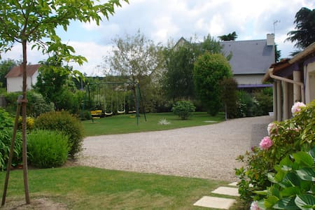The top 20 holiday rentals short term rentals in for Beau jardin apartments reviews