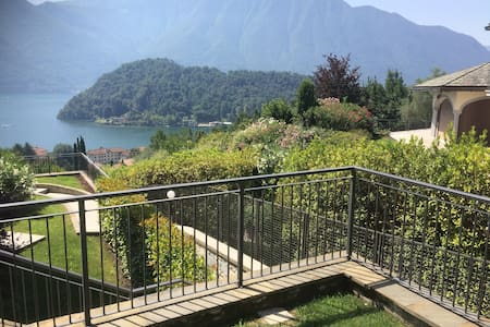 Sweet Home Greenway - garden, pool, lake view