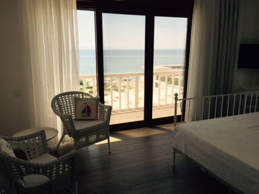 Villa Aqua'nın deniz manzaralı en geniş odası