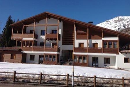 App. 6/8 posti letto Val di Fiemme - Bellamonte - Lägenhet