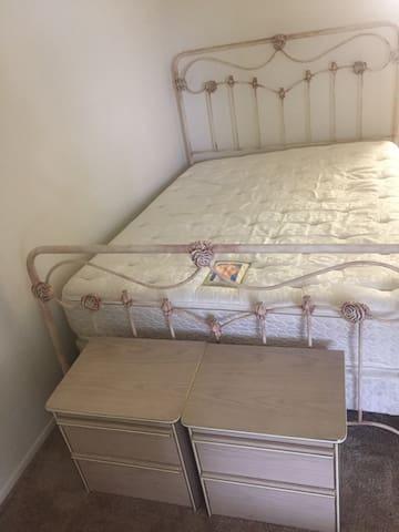 1 bedroom apartment cozy simple - Camarillo - Leilighet