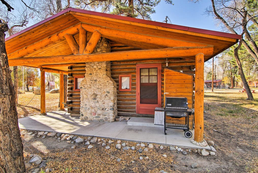 This 2-bedroom, 1-bathroom vacation rental cabin is the perfect home base for all of your Buena Vista adventures.