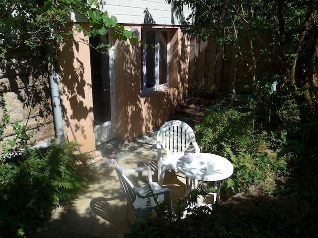 Studio au cœur d'un jardin
