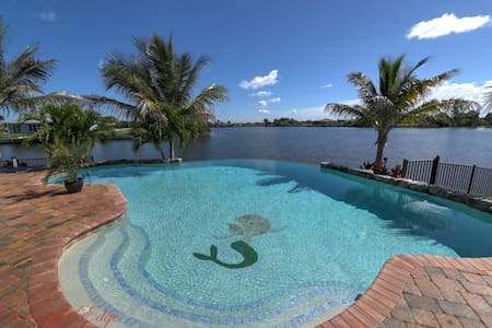 Luxury Privacy Amazing Views & Direct Gulf Access - Cape Coral