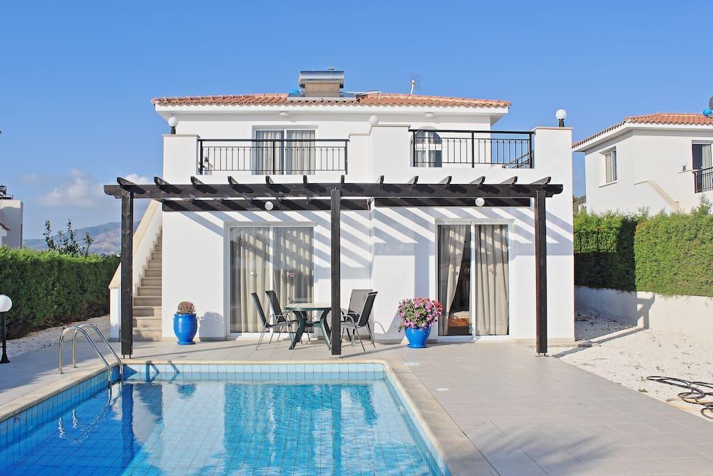 Villa's front view