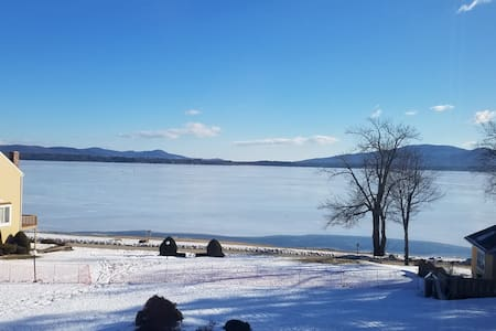Ossipee Lake Condo Winter Hideout - Ossipee - Apartment