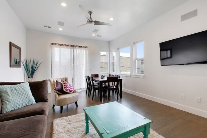 Bright & New Lohi 3 Bedroom *Rooftop Hot Tub!* - Denver - Maison