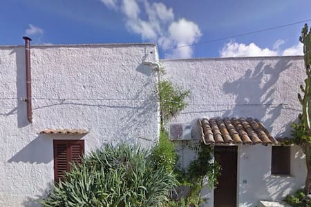 Lovely country house, 10km to beach - Ciavolo, Marsala - Casa cueva