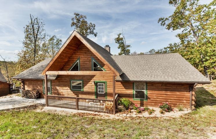 Big-Game-Lodge - Ridgedale - Cabin